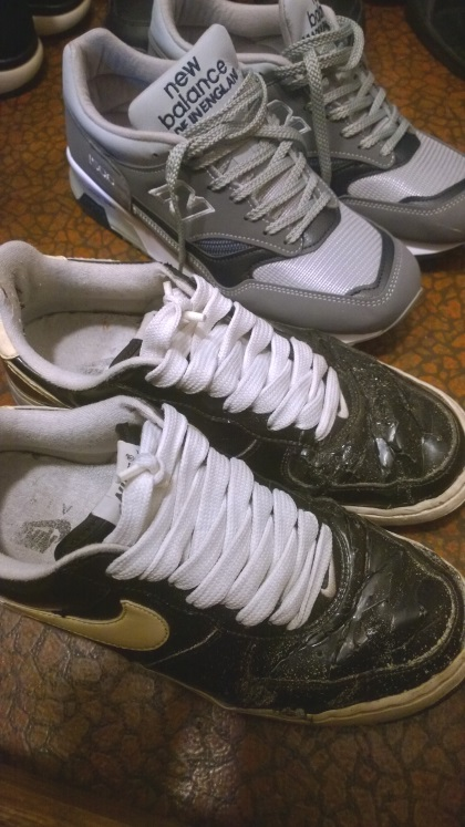 nike-air-force1-broken
