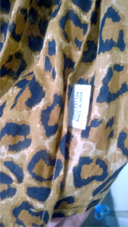 scarf-tag
